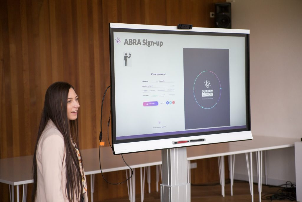 Skaitstė presents the UI of Debitum Network 1.0 Abra